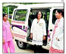 FIGHT TILL THE END: Home Cancer Care Unit of Rajiv Gandhi Cancer Institute visits patients every 15 days